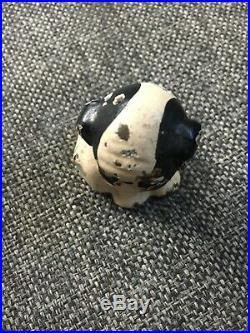 ANTIQUE HUBLEY USA DOG w HONEY BEE USA CAST IRON DESK ART PAPERWEIGHT DOORSTOP