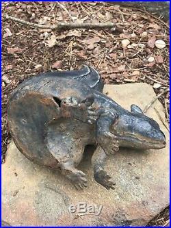 Interesting Vintage Cast Iron Full Body Squirrel Doorstop Garden Statue