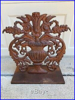 Vintage Cast Iron Garden Decoration Floral Urn Doorstop Heavy Flower Pot Rusty